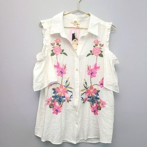 NWT Entro cold shoulder Embroidered floral top L